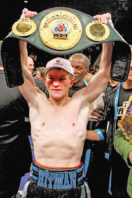 Ricky Hatton holds title belt aloft in Las Vegas 2008