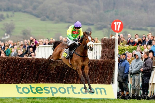 Ruby Walsh and Kauto Star clear the last - Gold Cup 2009