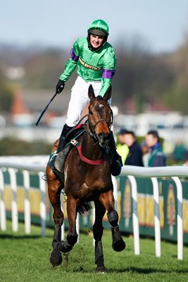 Liam Treadwell on Mon Mome wins 2009 National