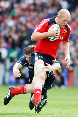 Brian O'Driscoll tackles Paul O'Connell