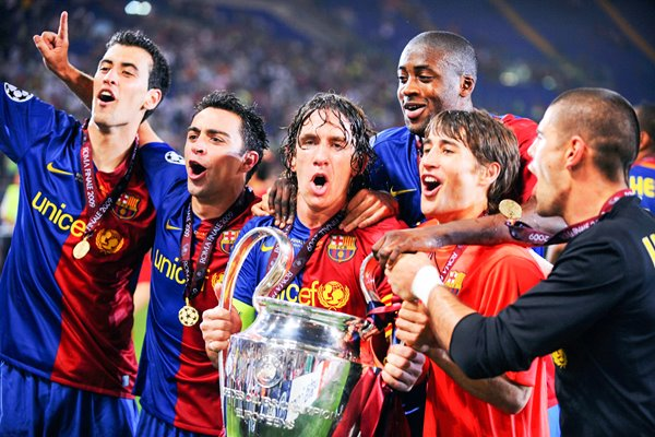 Puyol with his team mates celebrate Champions League 2009 win
