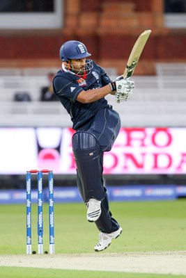 Ravi Bopara Lords T20 action v West Indies 2009
