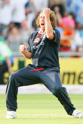 Ryan Sidebottom of England celebrates the wicket