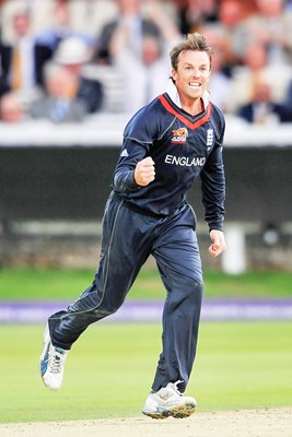 Graeme Swann of England celebrates the wicket