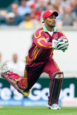 Denesh Ramdin of West Indies makes the catch