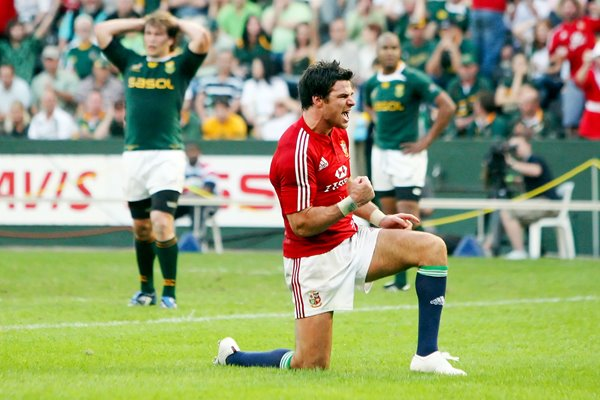 Mike Phillips celebrates Lions try v South Africa Durban 2009