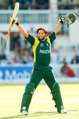Shahid Afridi Moment of Victory Salute 2009