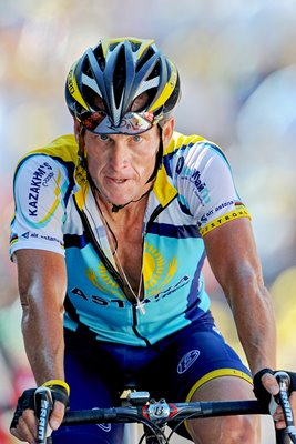 Lance Armstrong crosses finish line in Verbier