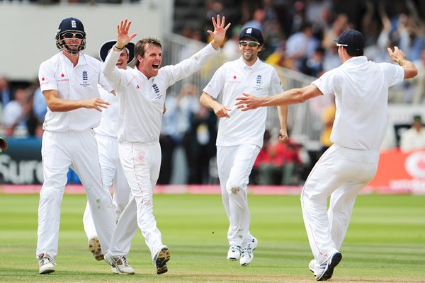Graeme Swann match-winning wicket - Lords - Ashes 2009