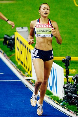 Jessica Ennis wins 800m and Gold