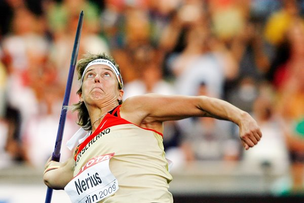 Steffi Nerius Javelin action Berlin 2009