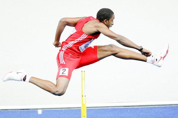 Jehue Gordon 400m hurdles action Berlin 2009