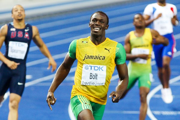 Usain Bolt celebrates 200m Gold in Berlin 2009