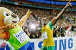 Bolt and Berlin Bear celebrate in style  Prints
