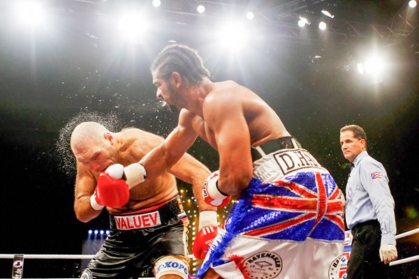 David Haye lands Hayemaker on Valuev