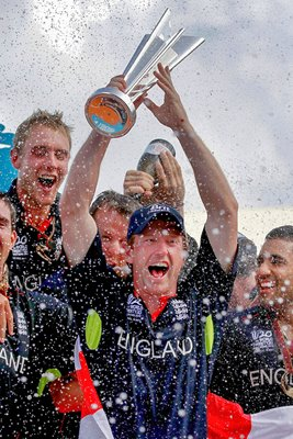 Collingwood and his team celebrate T20 world cup