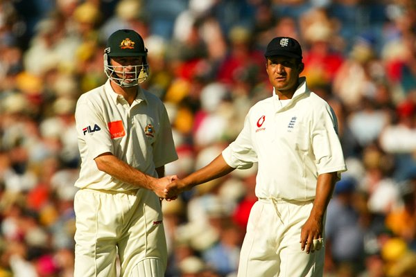 Steve Waugh shakes hands with Mark Butcher