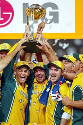 Ricky Ponting lifts 2003 World Cup
