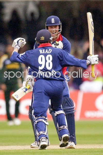 Marcus Trescothick and Chris Read