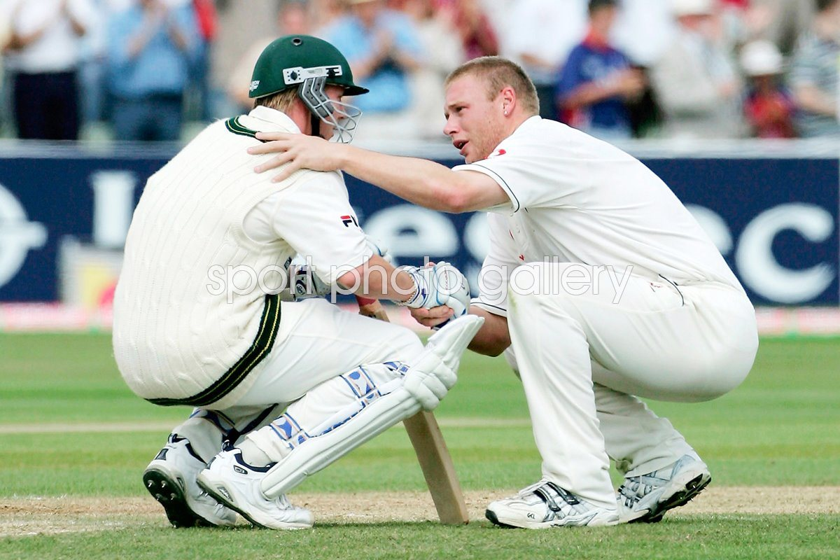 Spirit of Cricket Flintoff consoles Lee Ashes 2005