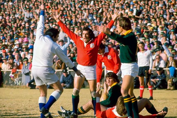 Gareth Edwards British Lions try v South Africa 1974