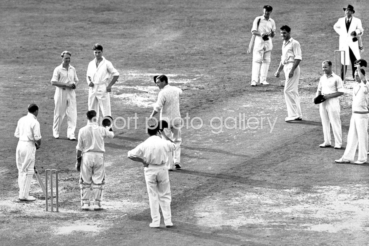 England salute legend Don Bradman's final innings