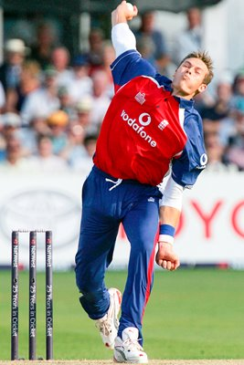 Chris Tremlett of England bowls