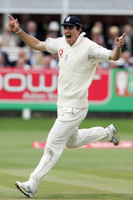 Kevin Pietersen celebrates run out