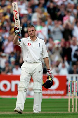 Andrew Flintoff acknowledges crowd