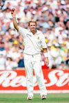 Shane Warne celebrates 600th wicket Mounts