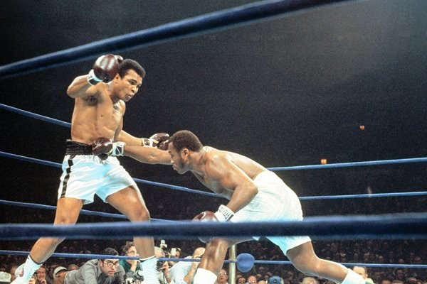 Muhammad Ali beats Joe Frasier 2nd Fight 1974