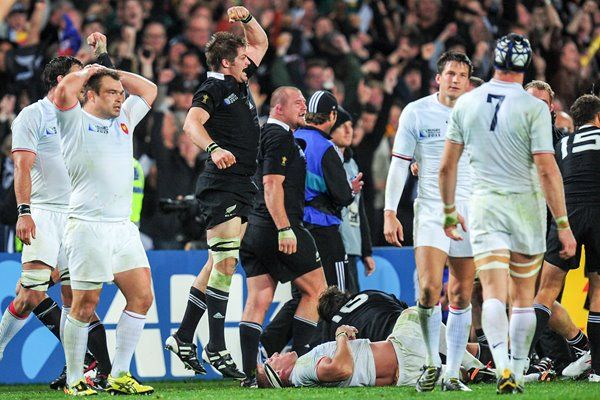 Richie McCaw celebrates Victory Moment