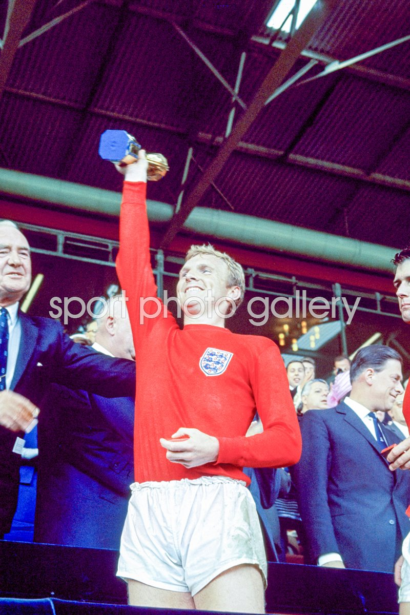 Bobby Moore England 1966 World Cup Winners