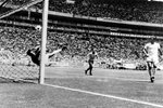 Banks Save World Cup 1970 Canvas