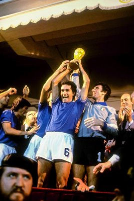 Dino Zoff lifts World Cup 1982