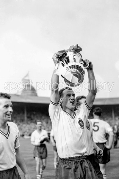 Nat Lofthouse lifts the FA Cup 1958