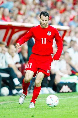 Ryan Giggs Wales action