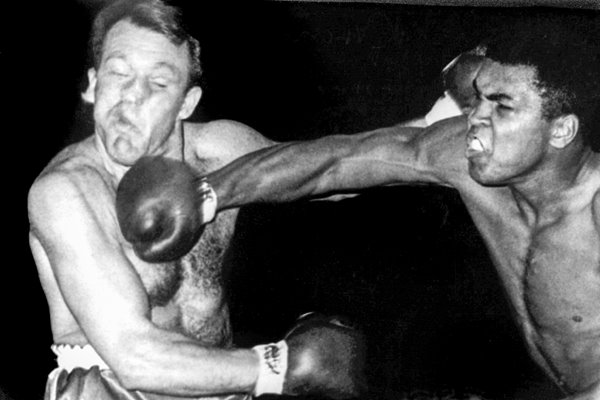 Classius Clay v Brian London 1966