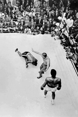 Cassius Clay knocks down Floyd Patterson