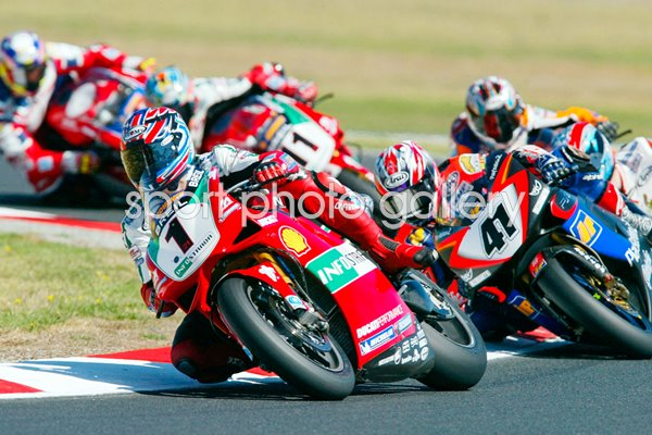 Troy Bayliss leads