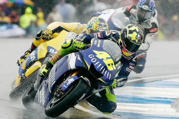 Rossi leads 2005 British Moto GP