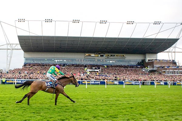Kauto Star wins King George Kempton 2011