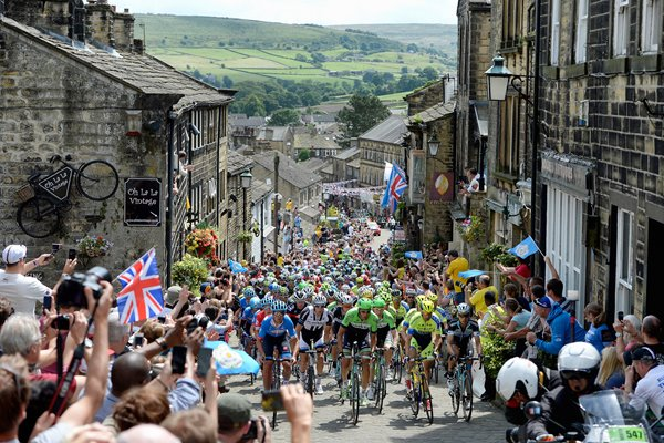 Peloton rides through Haworth Yorkshire Tour de France 2014