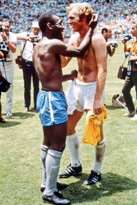 BOBBY MOORE AND PELE EXCHANGE SHIRTS