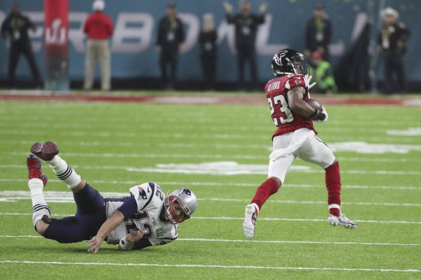 Robert Alford Atlanta Falcons evades Tom Brady Super Bowl 2017