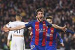 Sergi Roberto scores Barcelona v PSG Champions League 2017 Mounts