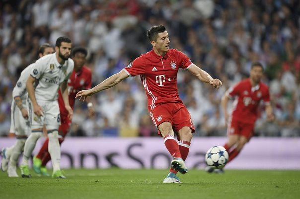 Robert Lewandowski Bayern v Real Madrid Champions League 2017