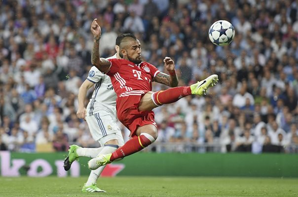 Arturo Vidal Bayern v Real Madrid Champions League 2017