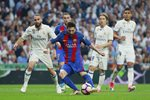 Lionel Messi Barcelona scores v Real Madrid La Liga 2017 Prints
