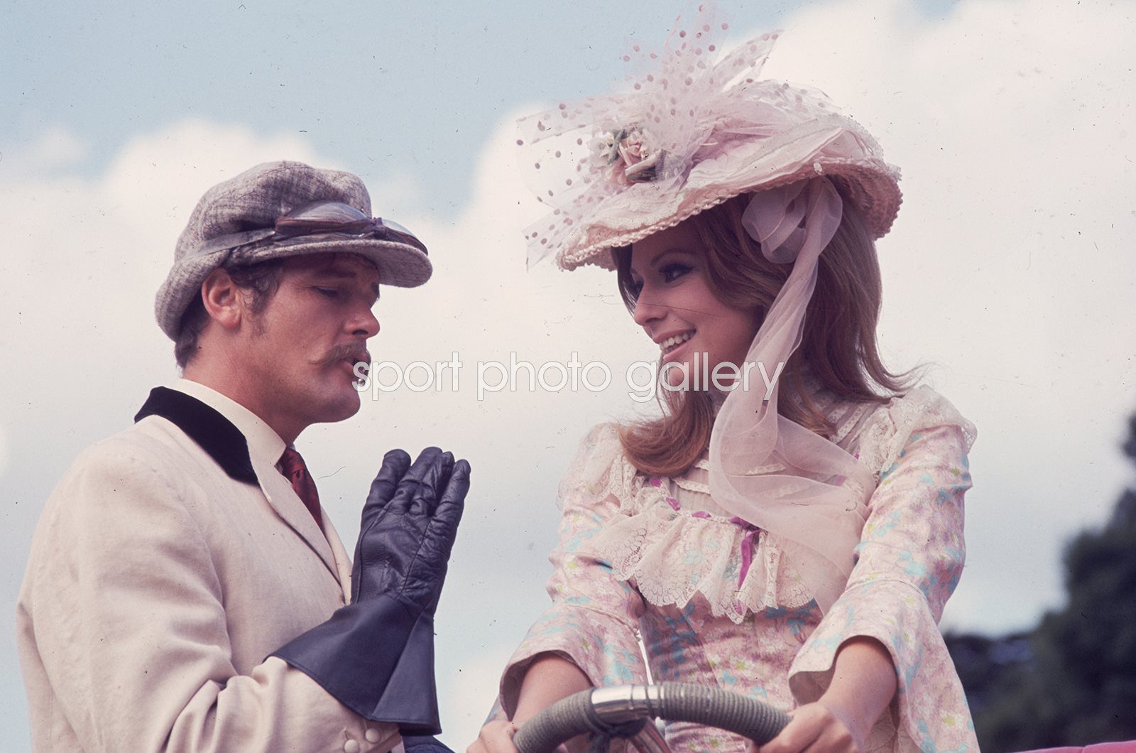 Roger Moore Crossplot Filming at Woburn Abbey 1968